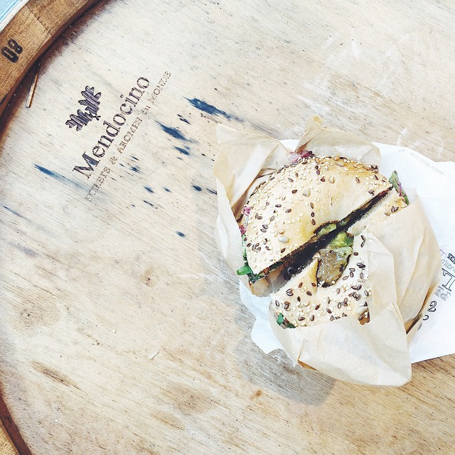 Bagel lover hello ! ❤️ #bagel #coolplace #paris #bens #bastille