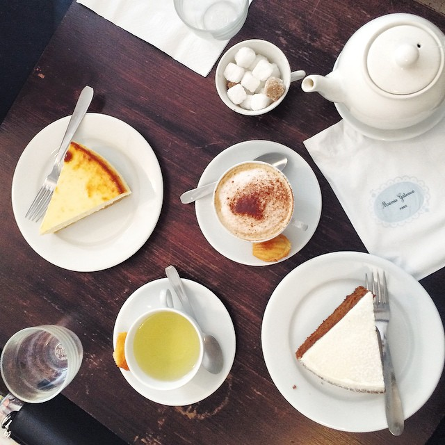 Perfect saturday w/ @amstramglam_ ☕️? #mamiegateaux #instafood #friends #foodporn #teatime
