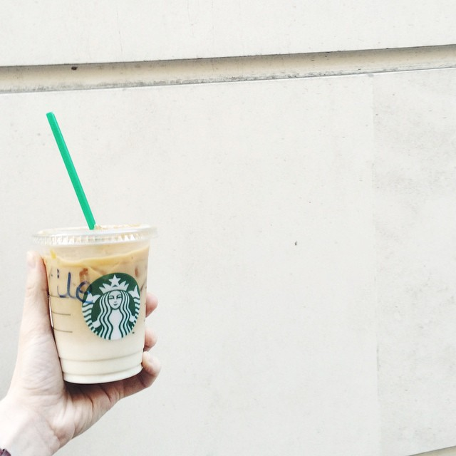 Weekend ✌️✨?#weekend #friday #starbucks #caramelmacchiato